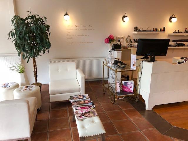 Lulu Lounge & Brow Bar